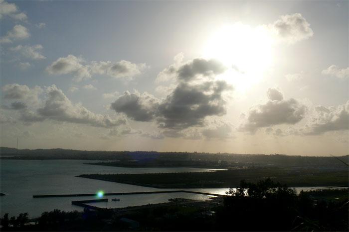 沖縄 勝連城跡からの眺め 空