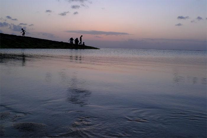 沖縄 夕日を見に行ったビーチで