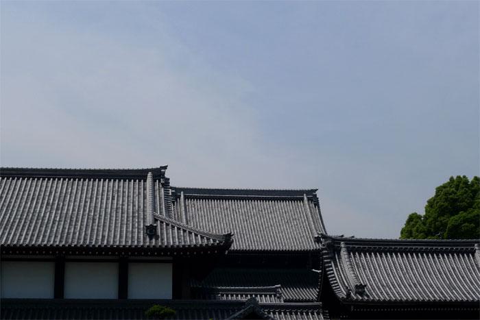 西本願寺、興正寺の屋根の連なり