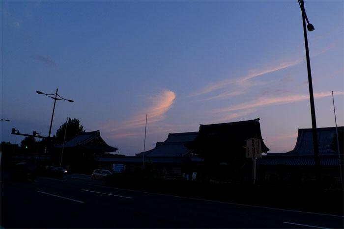西本願寺の空