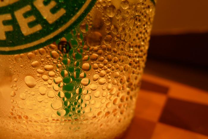 スタバの水滴