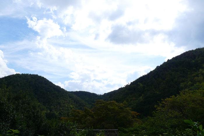 光悦寺から見える山