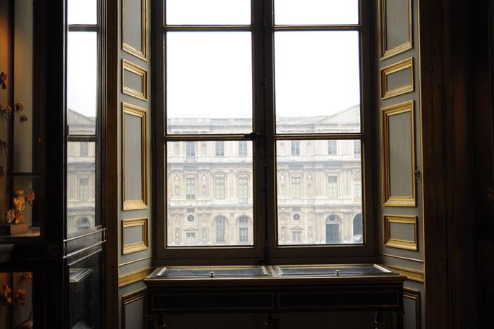 ルーヴル美術館 窓