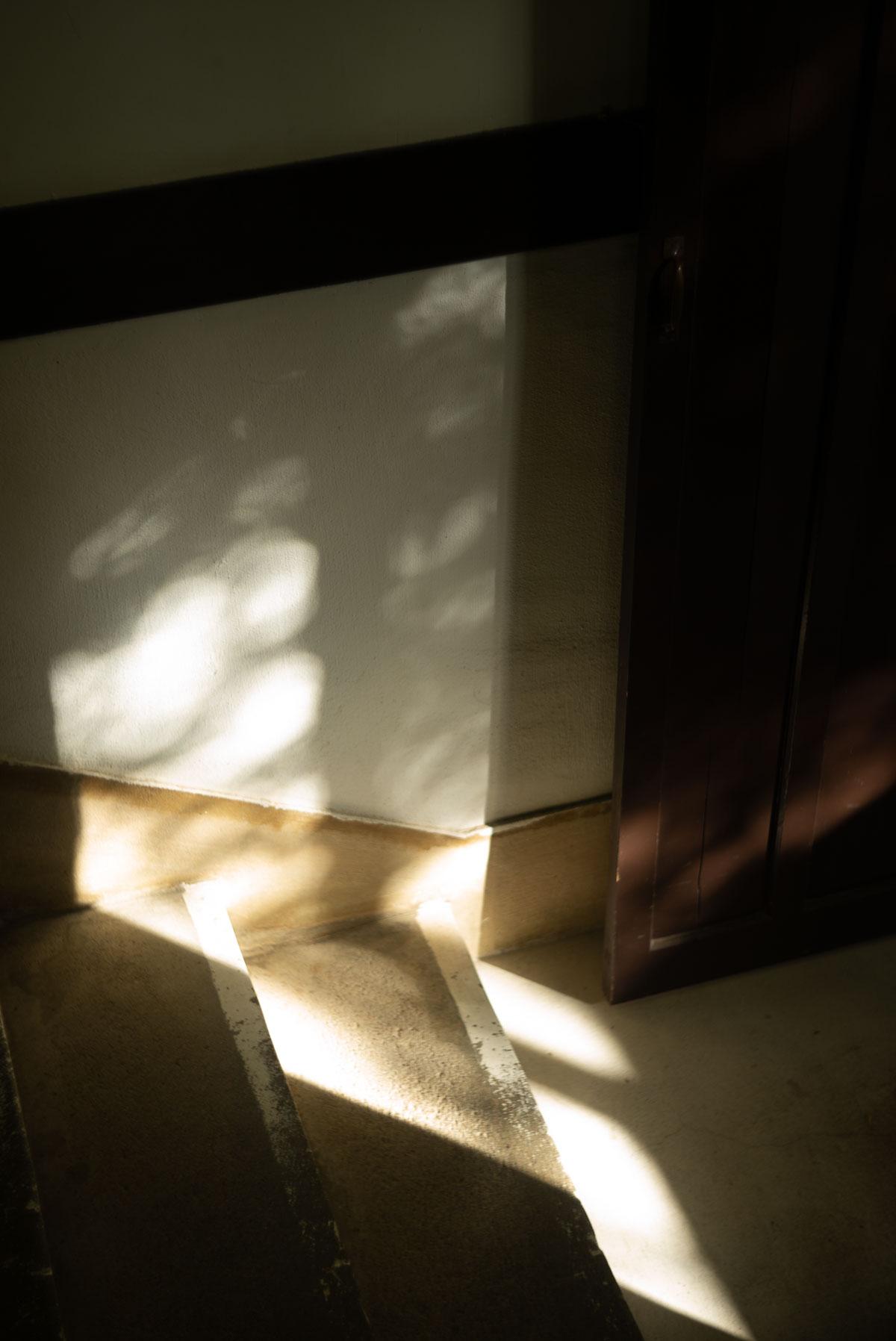 鞍馬駅の陰影