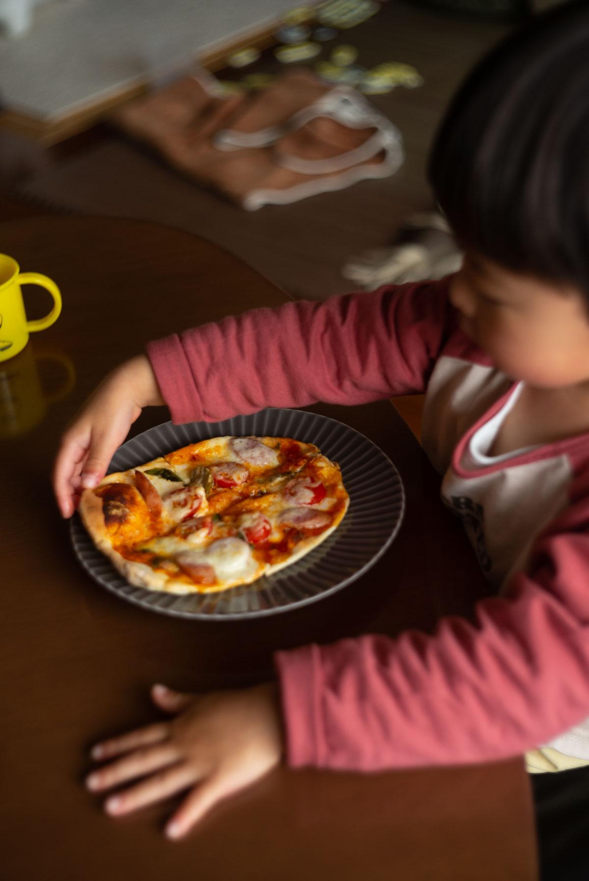 焼き上がりピザ